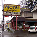 28 Seattle families getting kicked out as city shuts down Aurora Ave. motel